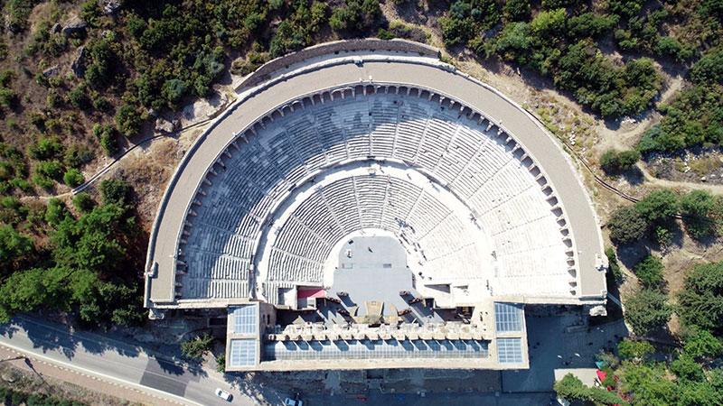 Aspendos Antik Tiyatrosu Nerede