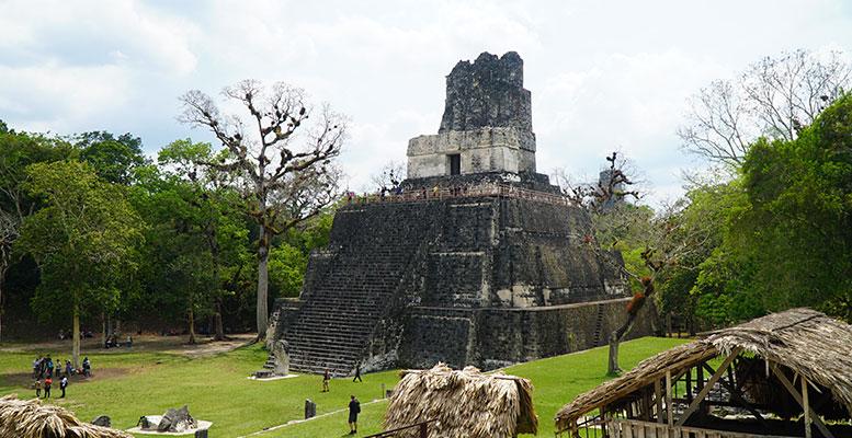 Guatemala Maya Piramitleri