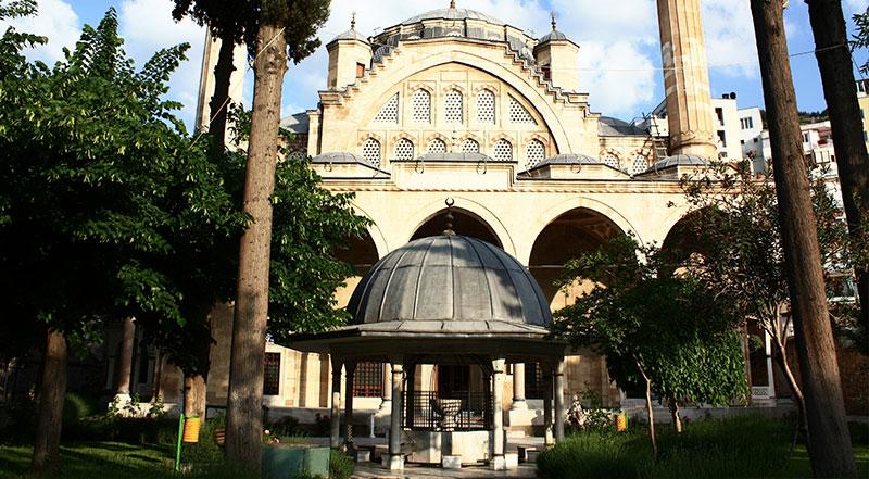 Muradiye Cami ve Külliye