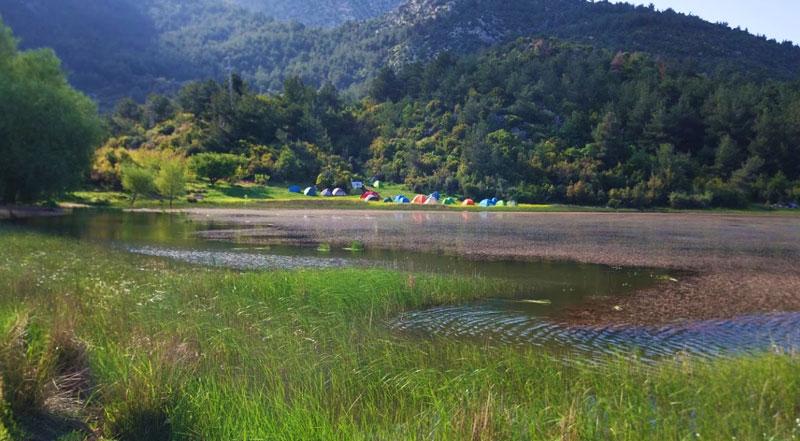 Spil Dağı Sülüklü Göl
