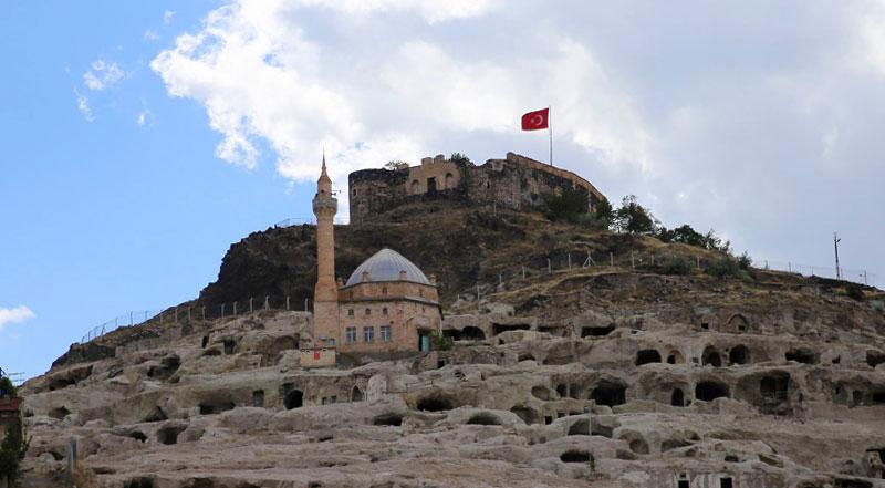 Nevşehir Kalesi ve Yeraltı Şehri