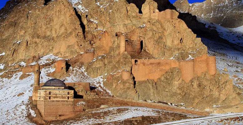 Ağrı'da Gezilecek Tarihi Yerler