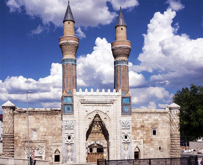 Sivas Sahibiye Medresesi